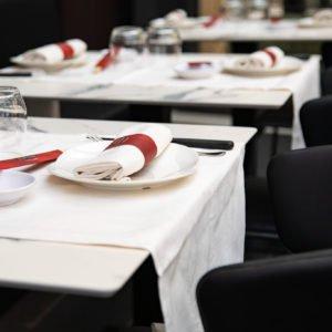 Dettaglio di tavolo apparecchiato al Prosperità di Limbiate